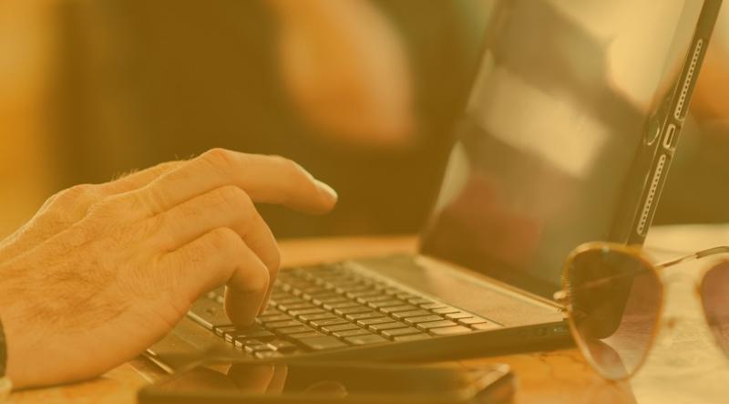 videopokipelit-kirjoita-kannettava-tietokone